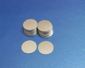 "3/4"" Aluminum disc - 24 gauge -blanks- Hand stamping metal blanks - Aluminum blanks - round blanks -stamping blanks - necklace disc"