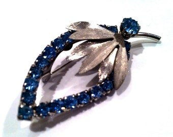 Something BLUE Rhinestones Leave Shine FLORAL Pin Brooch 3D Authentic Vintage Jewelry artedellamoda 1960s Bride Bridal Gift Figural Novelty