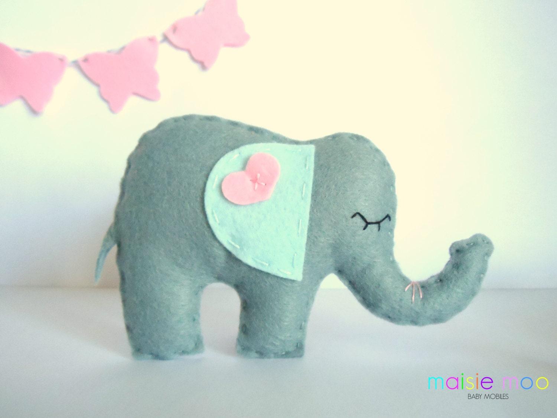 Elephant pattern diy baby mobile felt elephant by maisiemoonz for Diy baby mobile felt