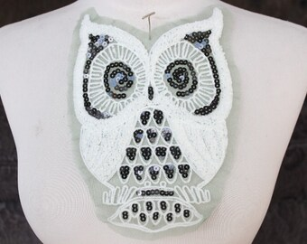 Cute owl applique    embroidered   with black  color  sequence    1 pieces listing