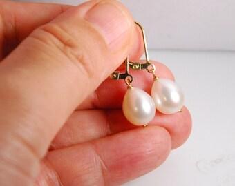 Freshwater pearl earrings, teardrop white pearls, 14K gold filled earrings, everyday earrings, jewelry gift