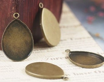 40 Teardrop Pendant trays,  Brass Antique Bronzed 18x25mm Teardrop Saw-toothed Bezel Cup Cabochon Mounting with ring