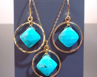 Hammered yellow gold hoops and turquoise necklace and earrings
