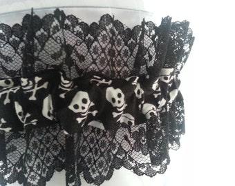 Wedding Garter black lace skull bridal garter, black lace garter, skull garter, black and white garter, Halloween garter, gothic garter,