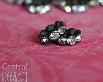 10mm Oxidized Silver Black Gunmetal Czech Crystal Rhinestone Rondelle Spacers 16 pcs - Wavy Edge - Vintage Style