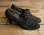 1930s Shoes // Carlisle Lace Up Shoes // vintage 30s brushed leather