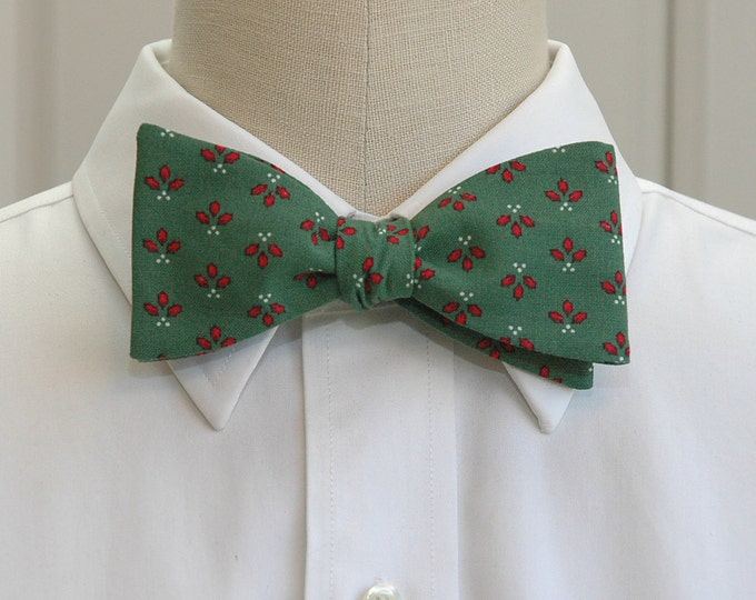 Men's Bow Tie, Christmas green/holly berries, holly bow tie, Christmas bow tie, green holiday bow tie, festive bow tie, holiday party bowtie