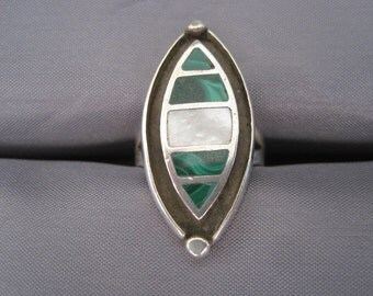 Vintage Sterling Inlaid Malachite Mother of Pearl Ring
