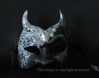 Devil Mirrored Masquerade Mask in Black