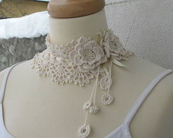 Versailles style Marie Antoinette jewelry Crocheted Ivory glass beads choker/necklace
