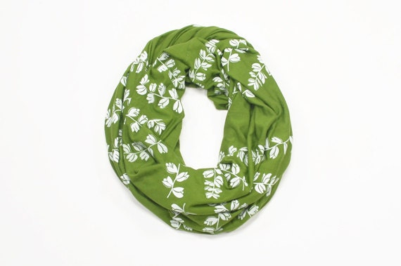 INFINITY SCARF - Screen Printed - White Bluebonnets on Olive Green