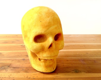 Vintage foam skull Halloween decoration from 1988 Fundex, yellow skeleton head in Todd Masters style, 1980s, sculpted carved foam rubber