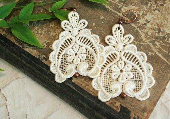 lace earrings - DARLA - ecru