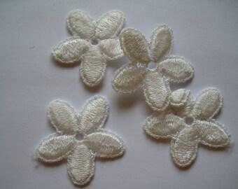1-O 4 Flower Appliques