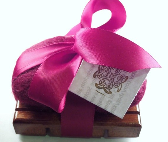 Bath Gift Set Dark Red Felted Soap Set with Ribbon and Soap Dish-Honey Vanilla Scottish Wool