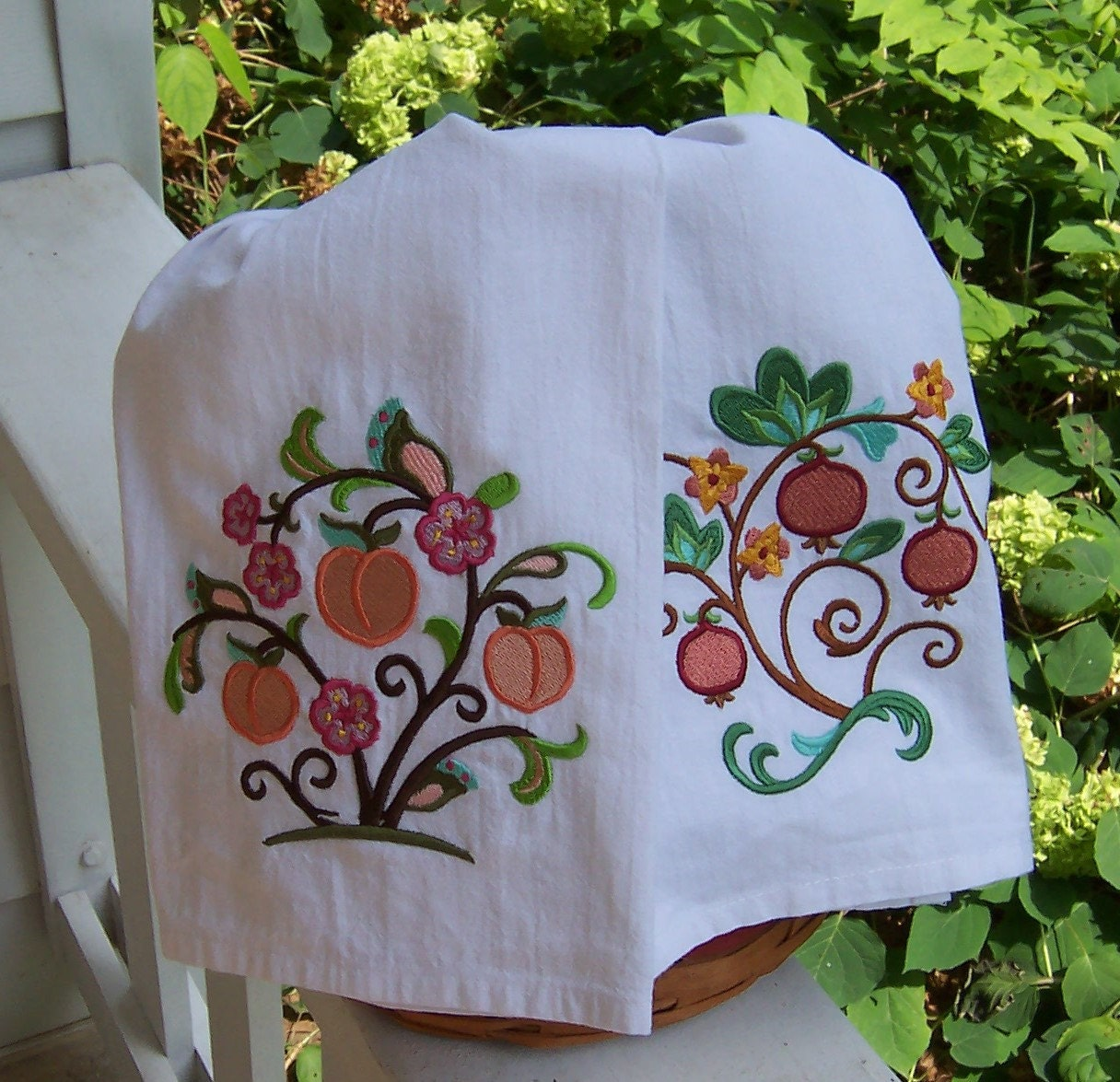 Embroidered Tea Towel/ Kitchen Dish Towel Peaches And