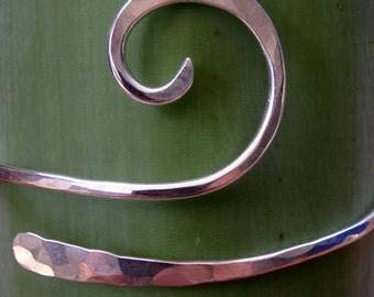 Handcrafted Wave Design Silver Bracelet