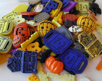 100 Halloween Shaped Grab Bag of Buttons