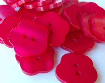 18 Red Glossy Flat Flower Buttons Size 13/16""
