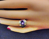 Vintage Purple Solitaire Ring With Crystals on Gold Band - Size 7.5 - R-140