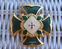 VINTAGE  Maltese Cross Brooch Celtic Jewelry Green Enamel