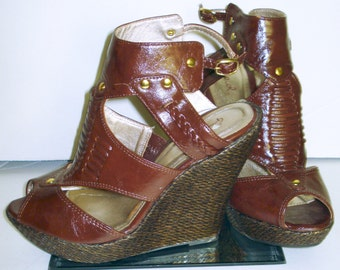 Vintage 1990s Galdiator Heels   .   Ankel Strap . Wedges  . Platforms . Open Toe   Chocolate Brown .  Mad Men Rockabilly Swing Pinup
