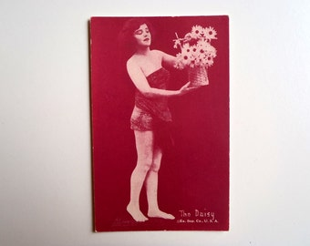 """Antique Arcade Card 1920s Pin-Up """"The Daisy"""" Exhibit Supply Company U.S.A. Collectible Slightly Risque Pin Up Card Maroon Ink"""