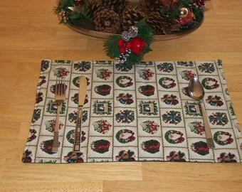 Christmas Placemats, Holiday Wrapping Paper Scene, Green, Table Setting, Christmas Decor, Holiday Setting, Seasonal Decor, Set of 4