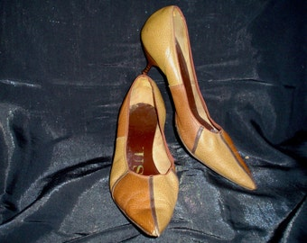 60s 9 Leather Stiletto Kitten Heels Pumps SHOES Venus 2 Tone Brown