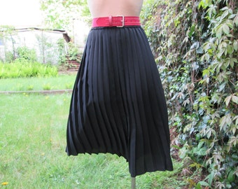 Pleated Skirt / Pleated Skirts / Skirt Vintage / Long / Black Pleated Skirt / Size EUR38 / UK10 / Lining / Elastic Waist