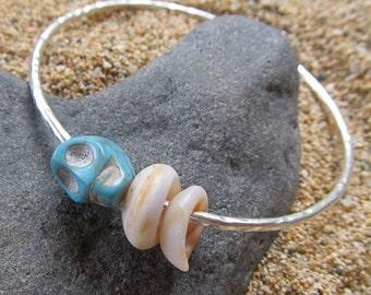 Silver Bangle, Turquoise Skull, Maui Puka Shells, Hammered, Halloween Jewelry, Hawaii Beach Jewelry, Pirate Accessory, Costume Party, Goth