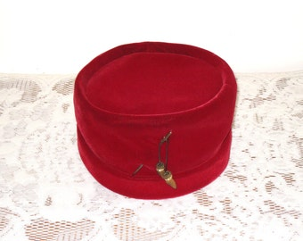 "Vintage Red Velvet Pillbox Hat With Hat Pin, Box, Original 1963 Receipt / Mi Lady Hat Shops / 21 1/4"" Circumference"