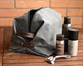 Waxed canvas Toiletry bag - mens toiletry bag - travel case - gift for boyfriend - Gift for husband - waxed canvas dopp kit - man's bag