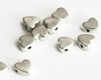 5 Silver Heart Beads, Silver Heart Pendants, Silver tone Heart Charms  P 30 040