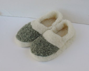 Sale 65 % off Woolen slippers,  sheep's wool, unique and cozy, men women slippers -sizes 6.5-7-7.5-8-8.5