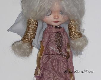 Blythe SALE  Medieval Gown & Head Gear. .   (BD78014)