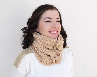 Winter Sale - Oatmeal Chunky Cowl - Oatmeal Knitting Cowl - Oatmeal Neckwarmer - Knitting Cozy Cowl - Women Circle Scarf