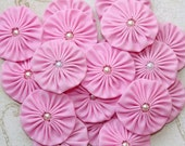 PINK YoYo Embellishments, Fabric Yoyos, pink yo yos, Flowers with pearls, 1.5 inch yo yo, yo-yo supplies by Whitelilyflowers