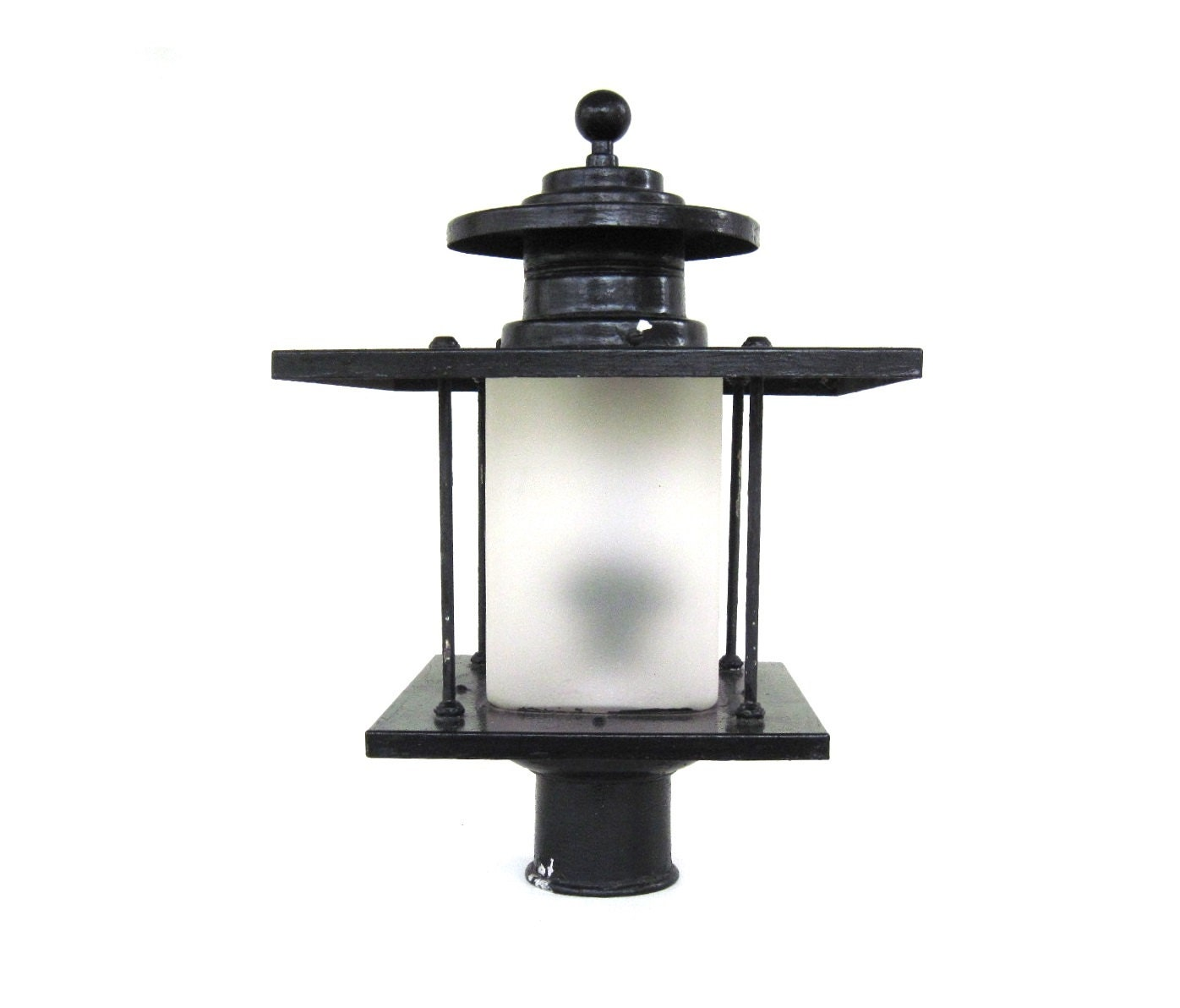 artolier exterior lamp post light fixture lantern yard outdoor
