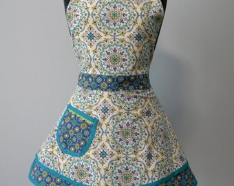 Apron-Capri Medallions and Floral Double Skirt Sweetheart Apron