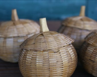 Collection of Wicker Apples. Wicker Fruits. Wicker Box. Vanity Space. Gift Box. Natural Gift Box.