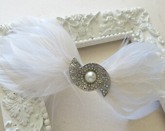 Feather Fascinator, Wedding Hairpiece, Champagne, White, Vintage Wedding, Art Deco Revival 1920s Special Occasion Bow Hairclip