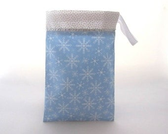 Snowflake Favor Bags /  Frozen Themed Party Favors