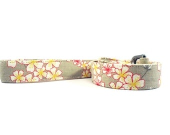 Floral in Gray Dog Leash