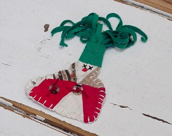 Patchwork Snowman Ornament, Christmas Original Primitive Shabby Snowman Brooch, Vintage Cutter Quilt Winter Woodland Pin itsyourcountry