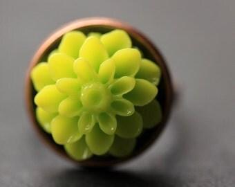 Lime Green Mum Flower Ring. Lime Green Chrysanthemum Ring. Lime Green Flower Ring. Adjustable Ring. Handmade Flower Jewelry.