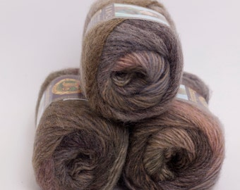 Amazing Wool and Acrylic Yarn from Lion Brand Olive Medley
