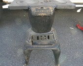 nice vintage antique double burner cast iron UMCO LAUNDRY hand fed cookstove STOVE