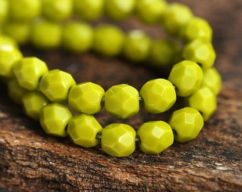 4mm Wasabi Green glass beads Opaque light Olivine czech fire polished round spacers - 50Pc - 1518