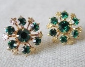 Vintage Sparkly Emerald Green Rhinestone Fleur de Lis Snowflake Earrings